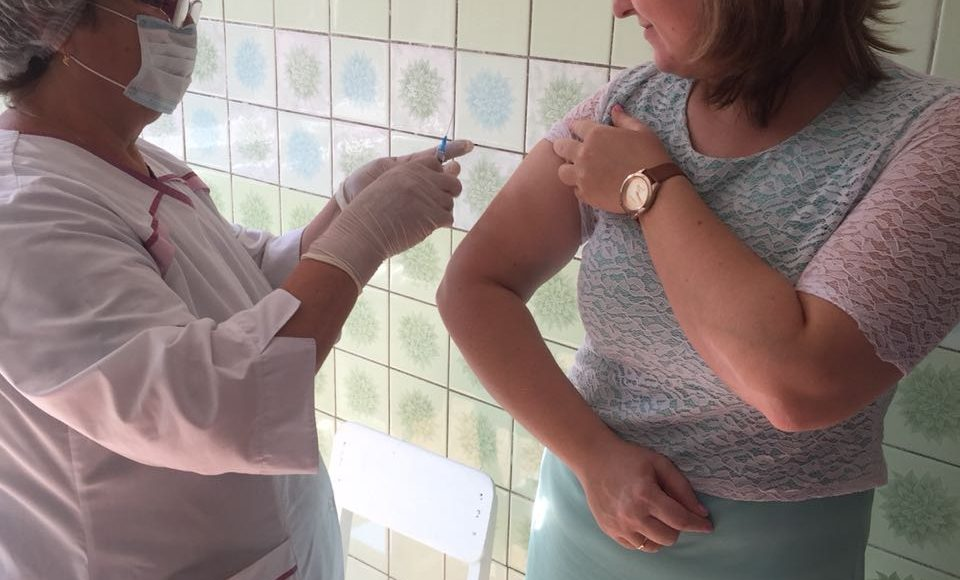 Вакцинация работников против гриппа СОШ №2
